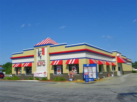 Largest KFC in the United States   This Kentucky Fried