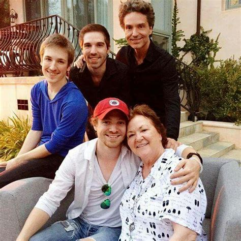 Richard Marx with his 3 sons and mom Ruth | Richard Marx