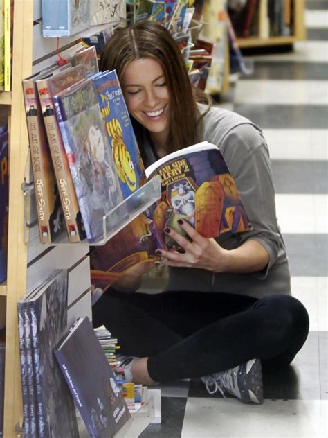 Kate Beckinsale And Family Out At A Comic Book Store - Zimbio
